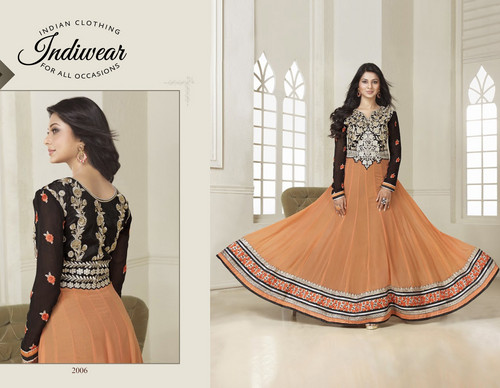 Saraswatichandra (TV series) wallpaper with a hoopskirt titled Kumud in Anarkali Suit