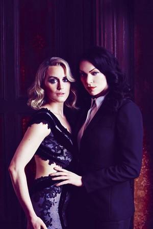 Laura & Taylor
