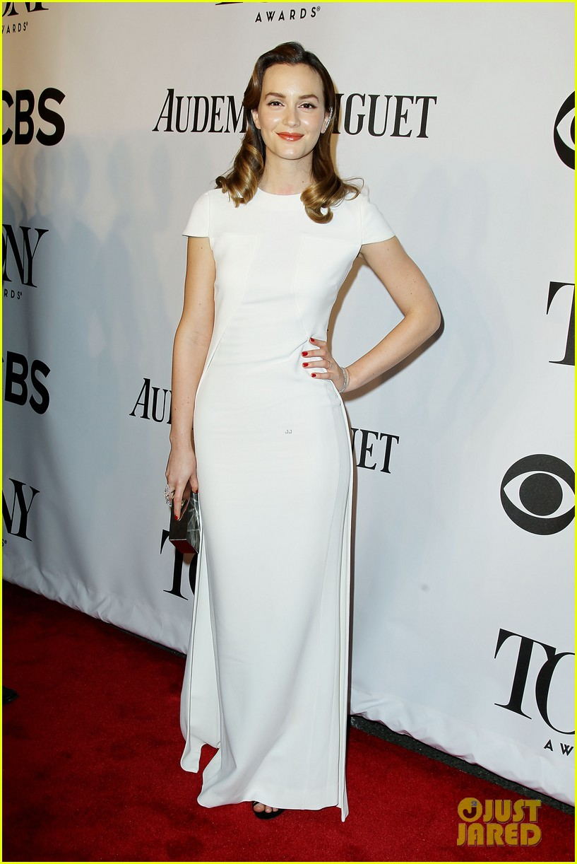 leighton meester steps on to the tony awards red carpet in