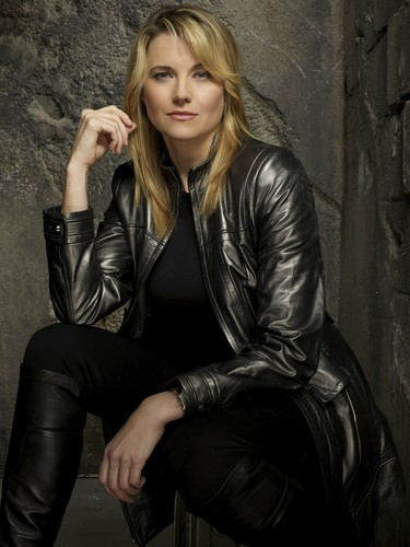 Lucy Lawless wallpaper containing a well dressed person, bare legs, and a hip boot titled Lucy (Battlestar Galactica)