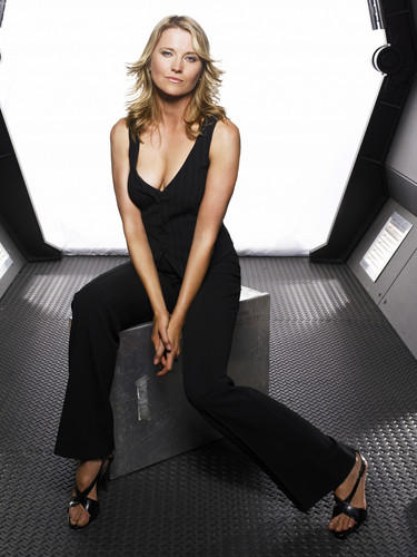 Lucy Lawless wallpaper possibly containing a well dressed person, a living room, and tights called Lucy (Battlestar Galactica)