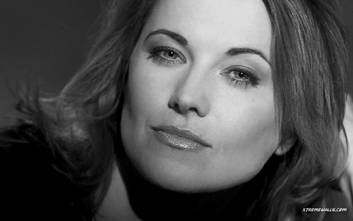 Lucy Lawless wallpaper containing a portrait called Lucy Lawless