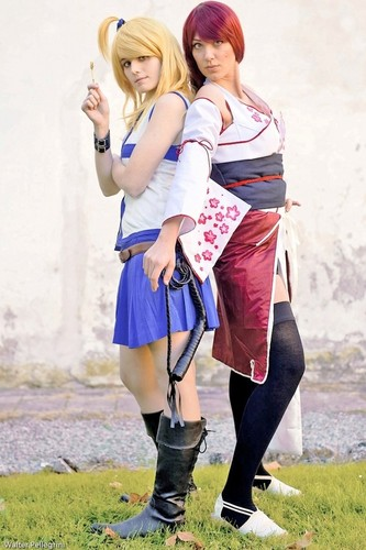 Fairy Tail Cosplay karatasi la kupamba ukuta with a hip boot titled Lucy and Erza Cosplay