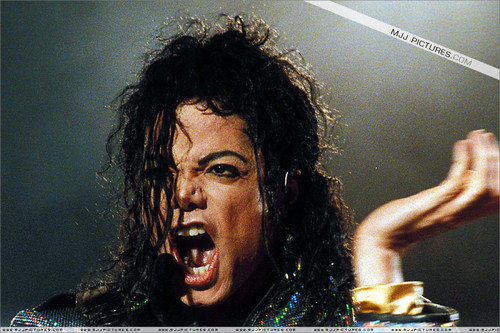 Michael Jackson Hintergrund possibly containing a sign and a konzert called Michael Jackson Dangerous World Tour