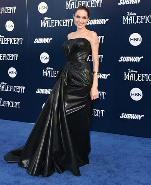 "Movie Premiere Of The ディズニー Film, ""Maleficent"""