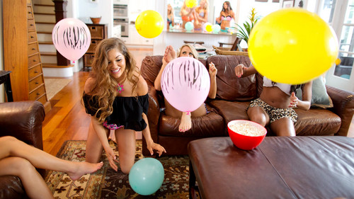 WWE Divas achtergrond possibly with a spatula, a meteorological balloon, and an easter egg entitled NXT's Summer Vacation - House Party