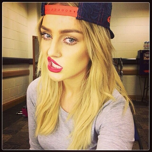 little mix fondo de pantalla called New Perrie selfie