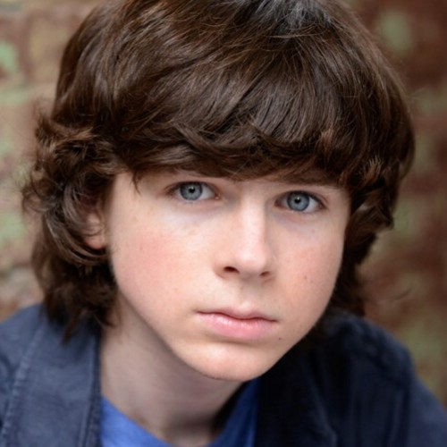 Chandler Riggs Hintergrund containing a portrait entitled New picture of Chandler ❤