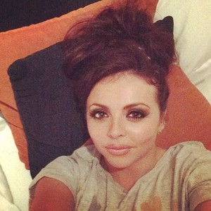 New selfie Jesy 게시됨 on her Instagram ❤
