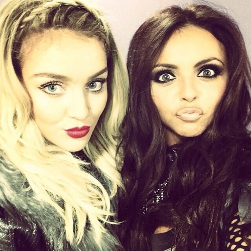 little mix fondo de pantalla with a portrait called New selfie Jesy publicado of her and Perrie on Instagram ❤