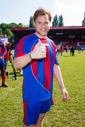 Olly Murs wallpaper entitled Olly at Soccer Six