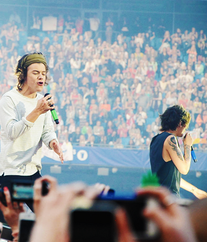 One Direction Where We Are Tour - Manchester (31.05.2014) - x