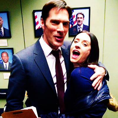 Paget Brewster and Thomas Gibson