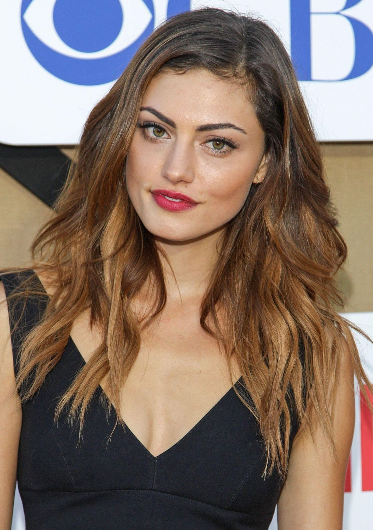 Hayley Images Phoebe Tonkin Hd Wallpaper And Background