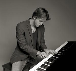 Pianist Reuel