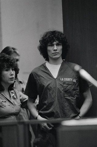 Serial Killers 바탕화면 possibly with a sign called RRichard Ramirez