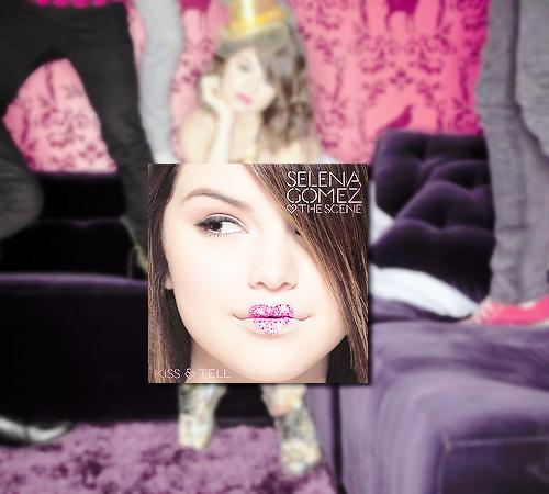 Selena Gomez-Kiss