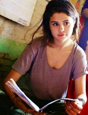 Selena on her UNICEF trip in Nepal (May 21)