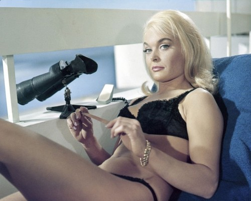 James Bond fondo de pantalla called Shirley Eaton (Jill Masterson)