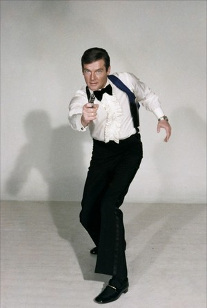 Sir Roger Moore Promo foto As James Bond, 007