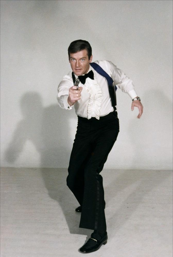 Sir Roger Moore Promo 사진 As James Bond, 007