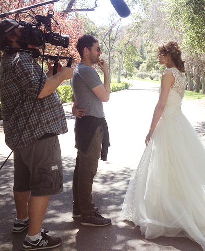 Nathan Fillion & Stana Katic fond d'écran probably containing a bridesmaid and a robe called Stana-BTS 6x23