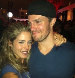 Stephen Amell & Emily Bett Rickards wallpaper titled Stephen Amell Emily Bett Rickards