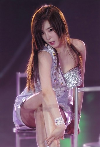Girls Generation/SNSD wallpaper entitled Tiffany 3rd Japan Tour