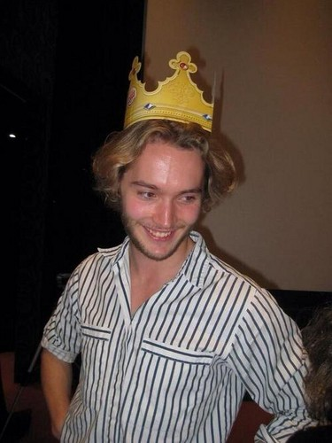 Toby Regbo fondo de pantalla with a boater and a fedora entitled Toby Regbo