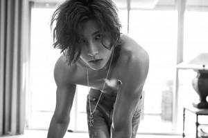 Kiseop teaser larawan for 'Mono Scandal'
