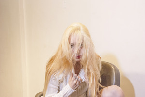 "এফ(এক্স) ""Red Light"" Krystal teaser"