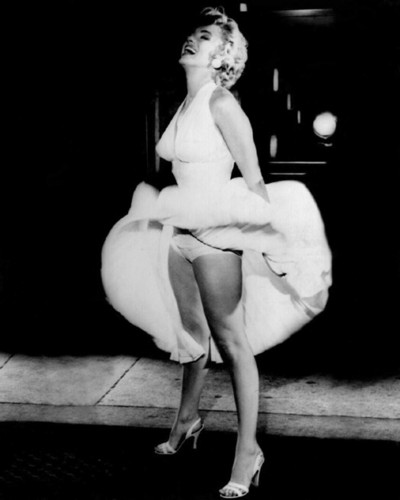 "marilyn monroe fondo de pantalla titled 1955 Film, ""The Seven año Itch"""