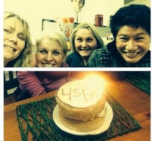 5SOS moms celebrating Advance bday for Ash