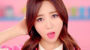 AOA Short Hair Mina