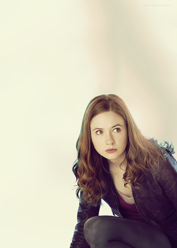 Amy Pond Обои probably with a well dressed person and a portrait titled Amy Pond