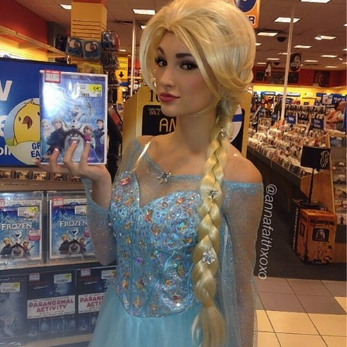 《冰雪奇缘》 壁纸 called Anna Faith - Real Life Elsa