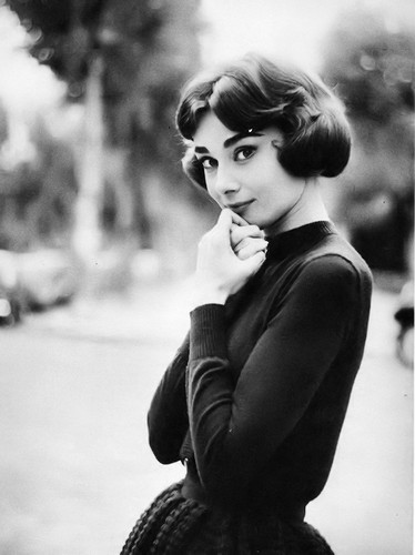 Audrey Hepburn wallpaper containing a street entitled Audrey Hepburn