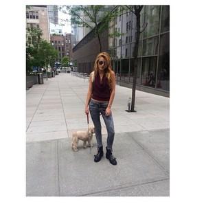 Bella Instagram foto-foto