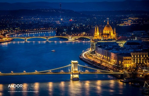 Nocturnal Mirage fond d'écran entitled Budapest, the capital of Hungary where I live