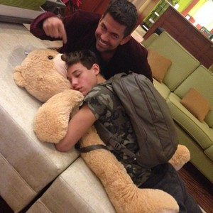 Cameron for te Sarah ♡ (P.S Im jealous of that bear)