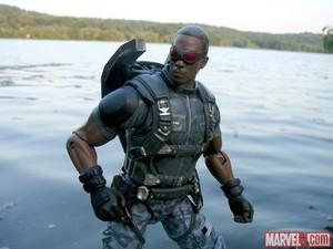 Captain America: The Winter Soldier - falco, falcon Figure