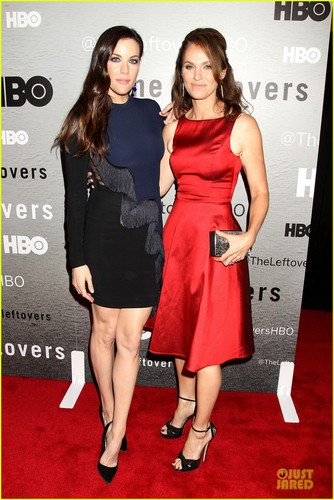The Leftovers [HBO] karatasi la kupamba ukuta with a cocktail dress entitled Cast @ 'Leftovers' Premiere in NYC