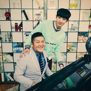 Chanyeol 140702 Instagram Update:새로운 피아노 제자 조세호학생 말할수없는비밀