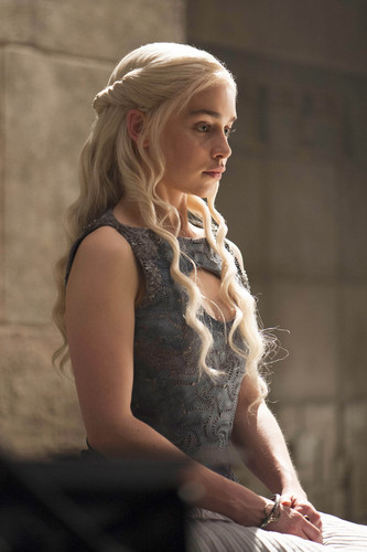 daenerys targaryen wallpaper entitled Daenerys Targaryen Season 4