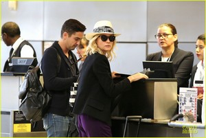 Diane Kruger at LAX Airoport