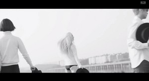 F(x) Red Light موسیقی Video Teaser