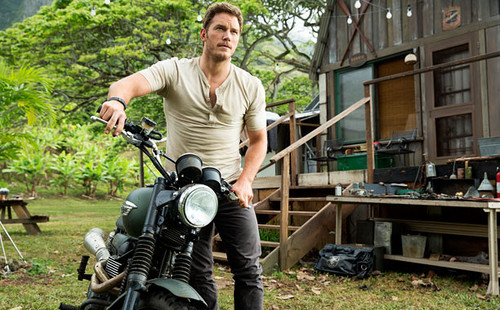 Jurassic World kertas dinding probably with a motorcycle cop titled First Glimpse of Jurassic World (2015)