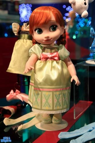 Frozen wallpaper titled Frozen Animator's Doll Deluxe Set - Anna
