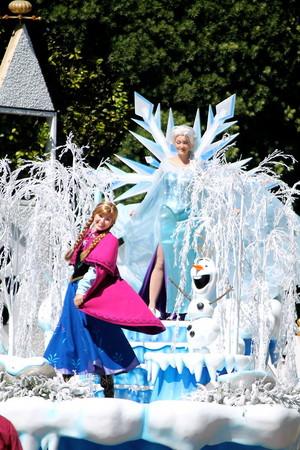 アナと雪の女王 Pre-Parade