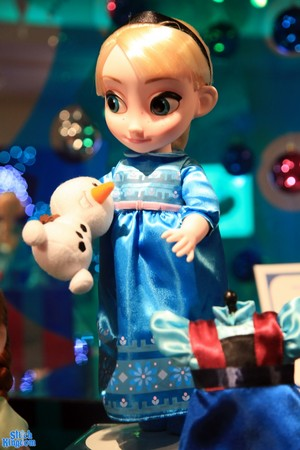Frozen Animator's Doll Deluxe Set - Elsa
